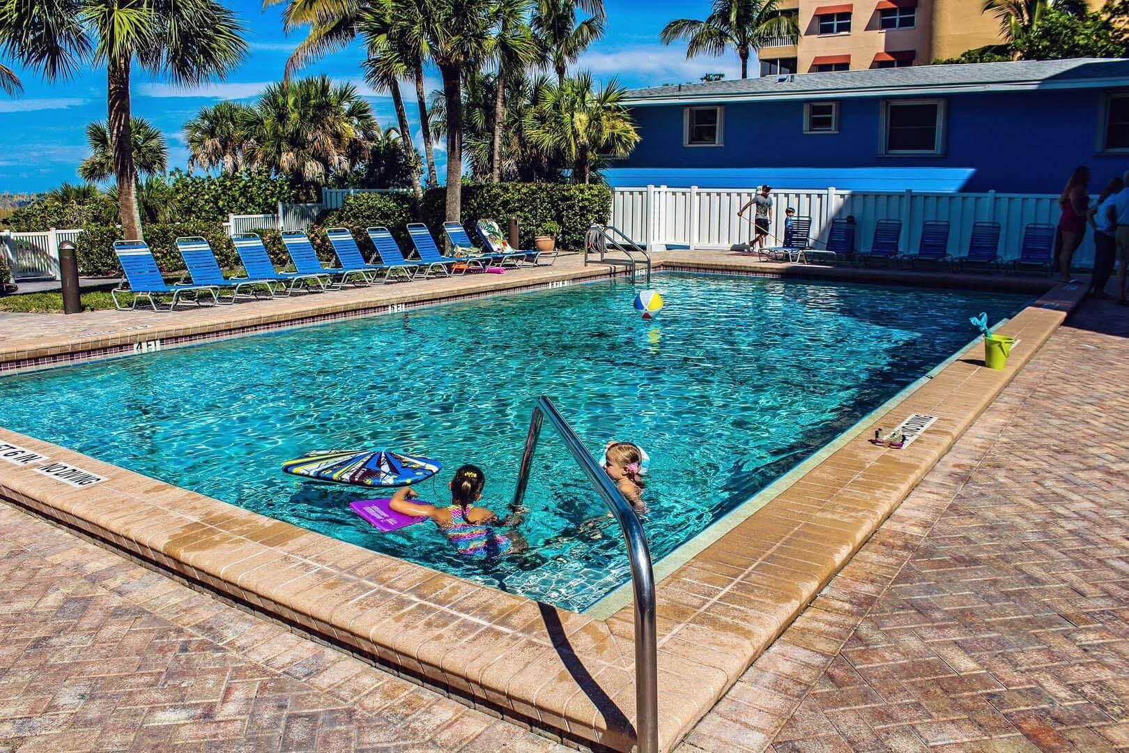 Beach Club I Pool