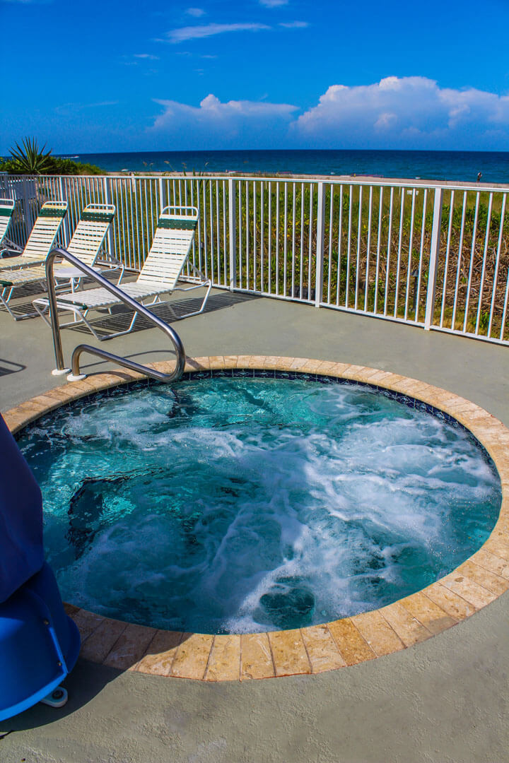 Birkshire Beach Club Jacuzzi