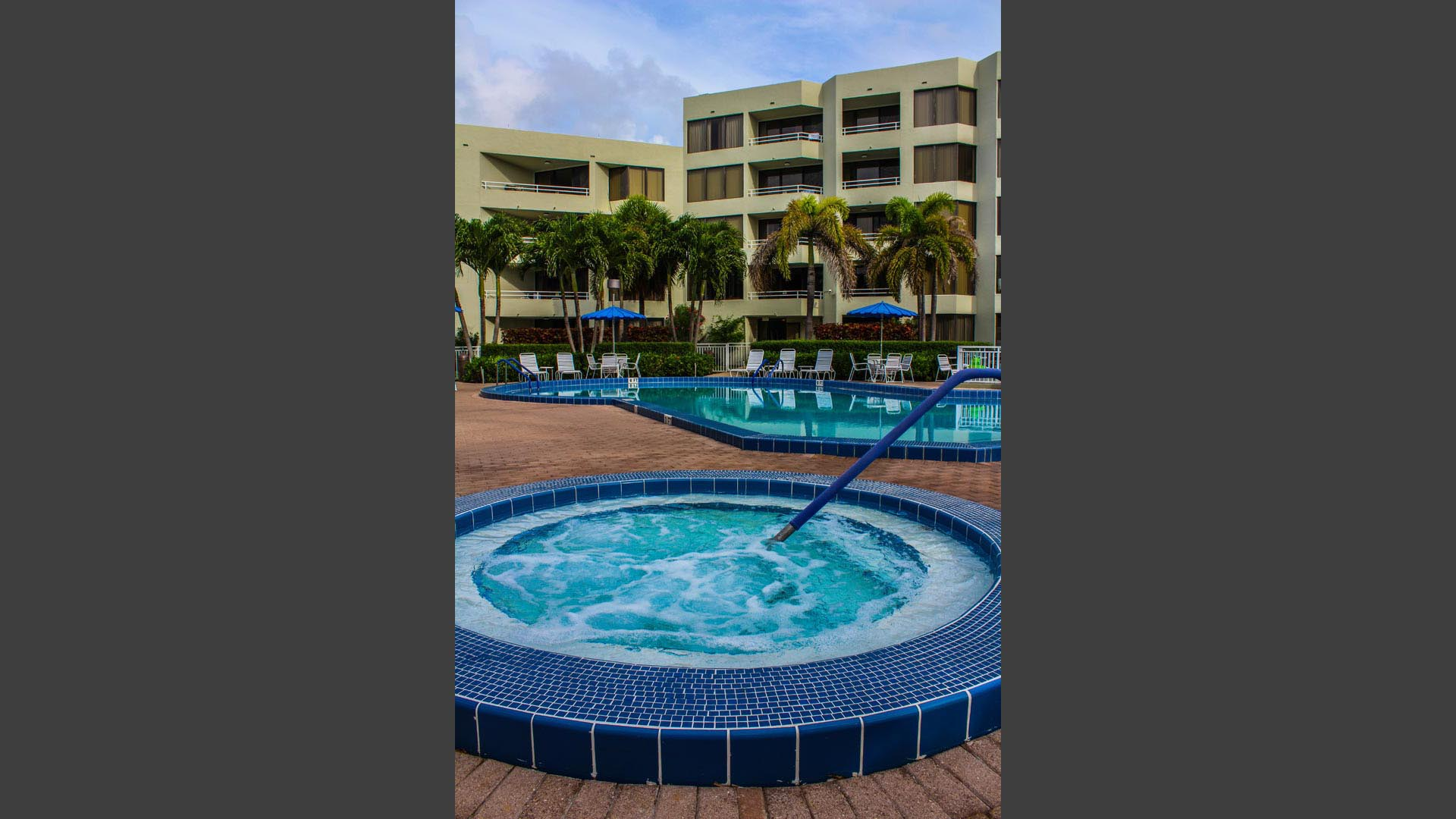 Birkshire By The Sea Jacuzzi