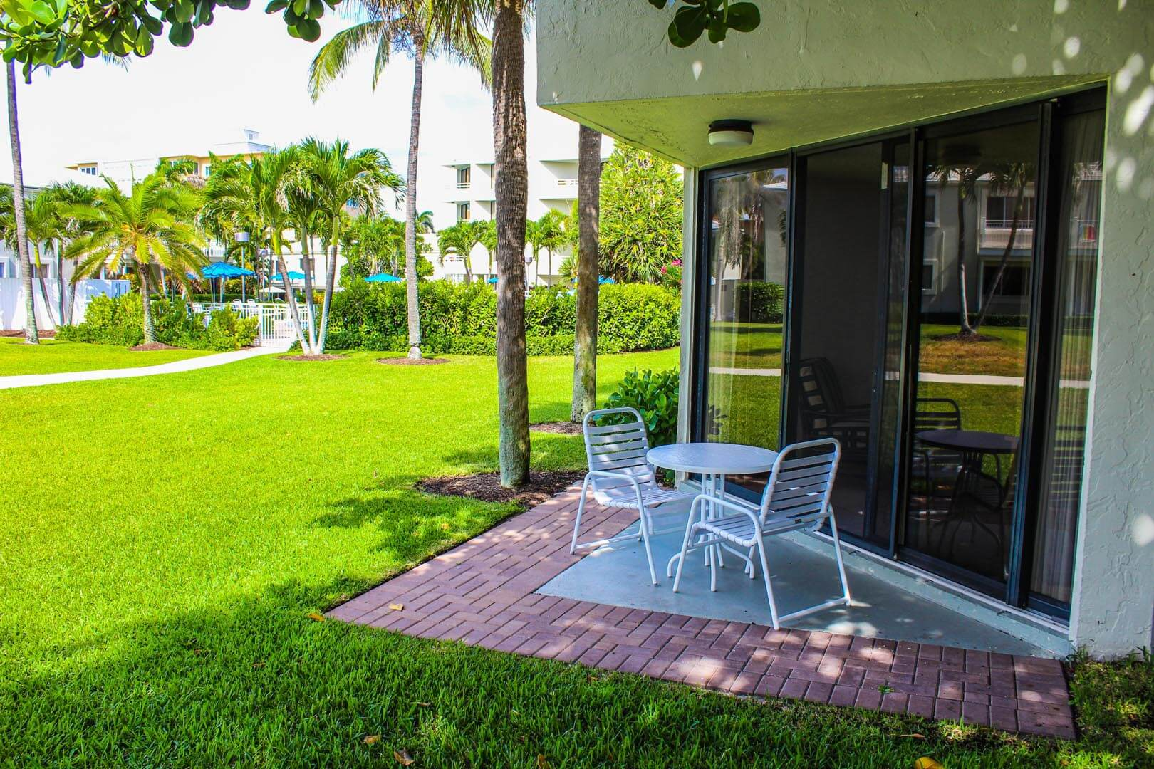 Birkshire By The Sea Patio