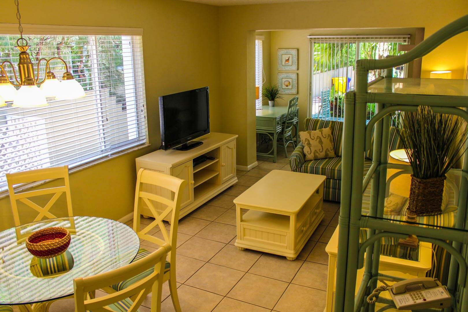 Birkshire By The Sea Living Room
