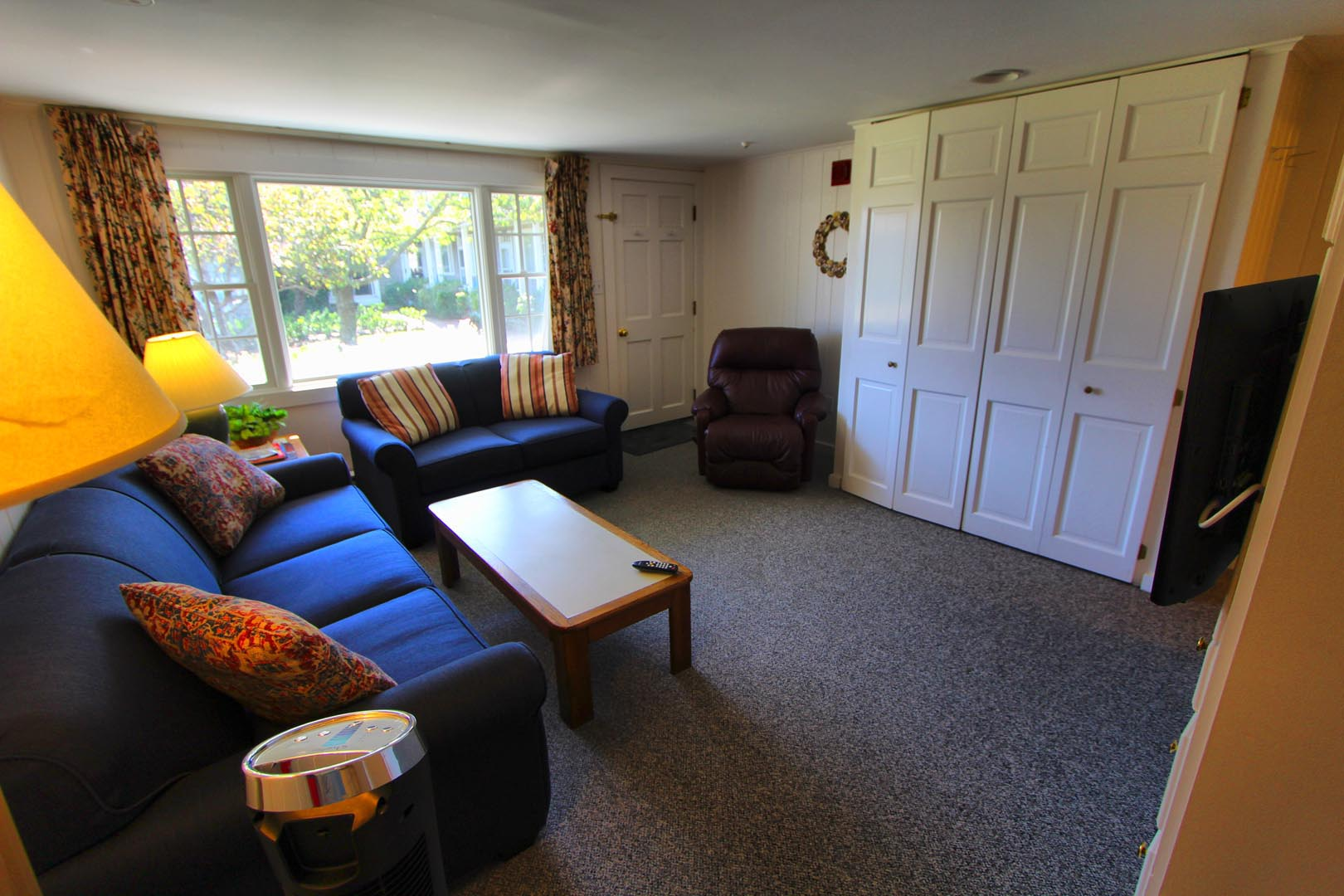 A cozy living room area at VRI's Brant Point Courtyard in Massachusetts.