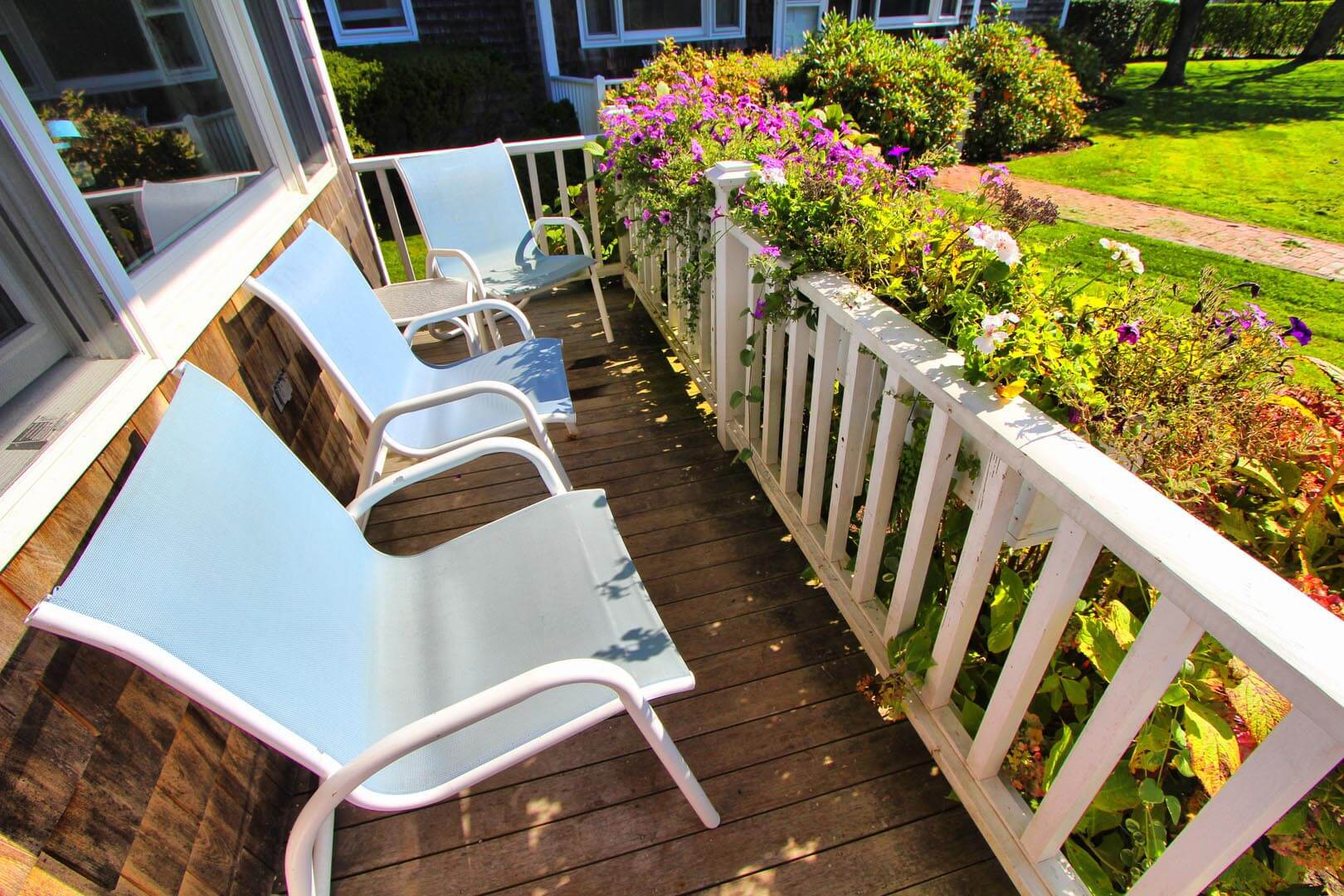 A tranquil front patio deck at VRI's Brant Point Courtyard in Massachusetts.