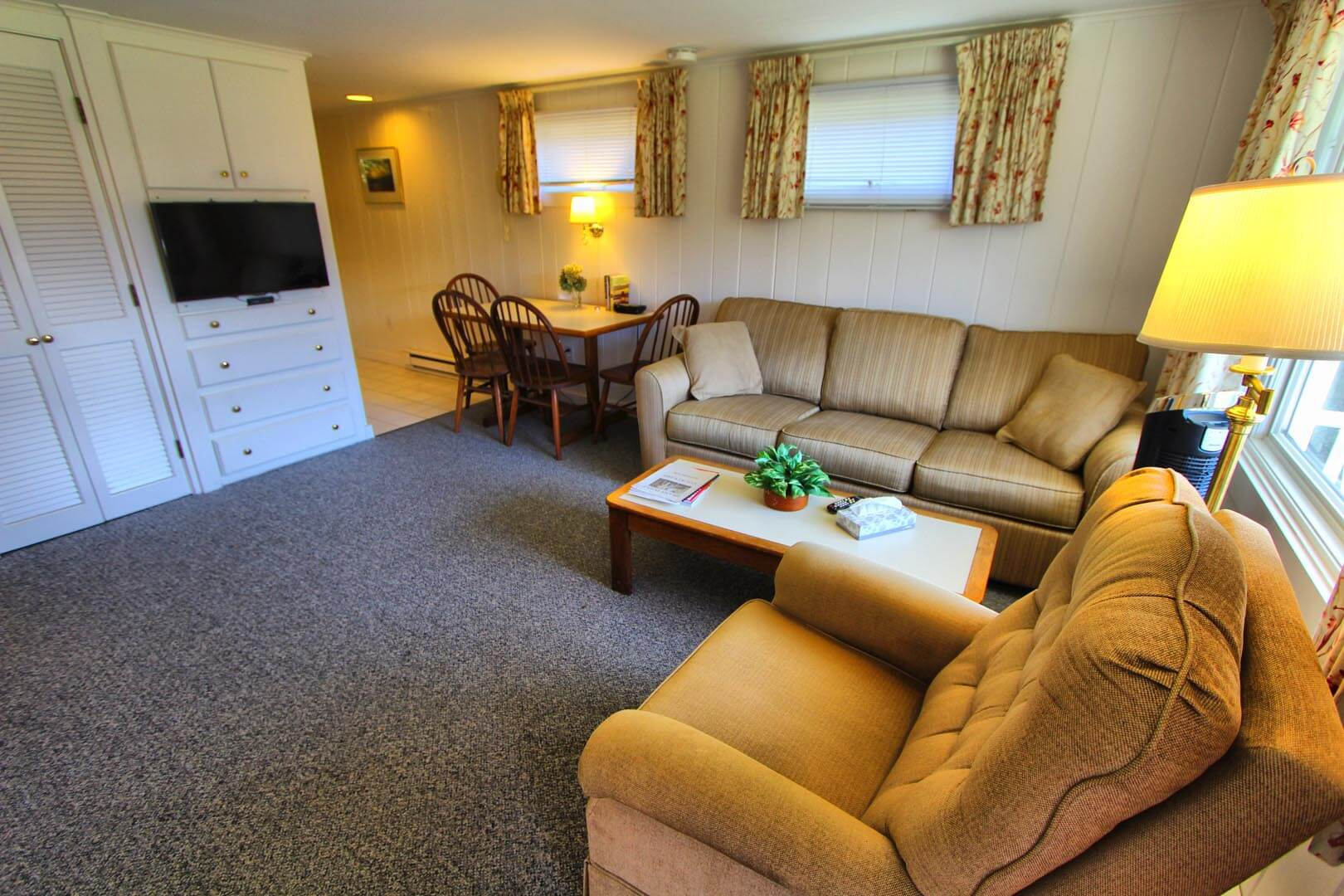 A spacious living room at VRI's Brant Point Courtyard in Massachusetts.