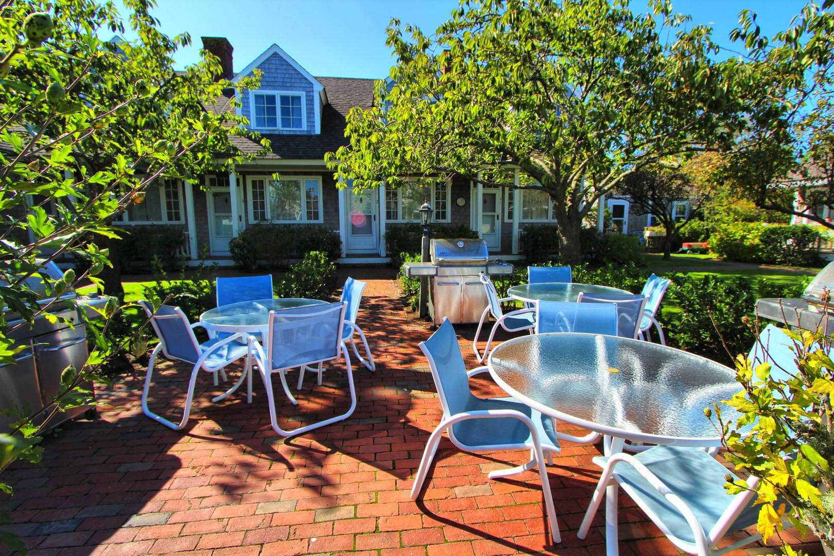 Brant Point Courtyard Patio Area