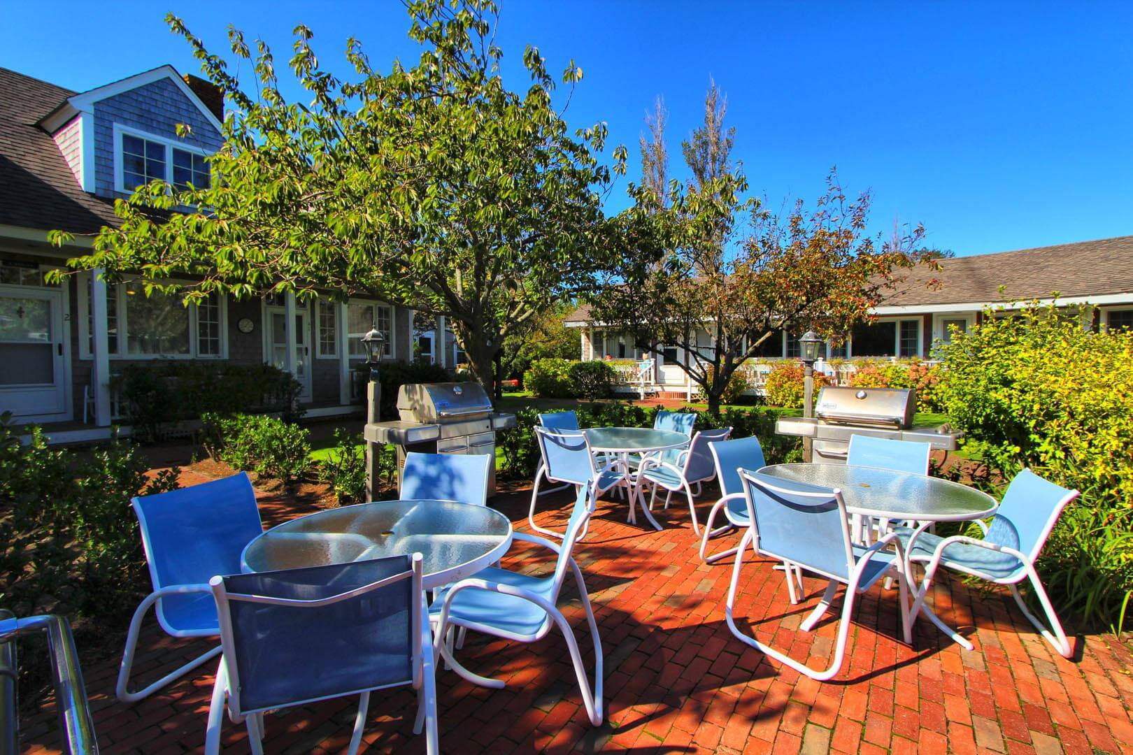 A welcoming BBQ area at VRI's Brant Point Courtyard in Massachusetts.