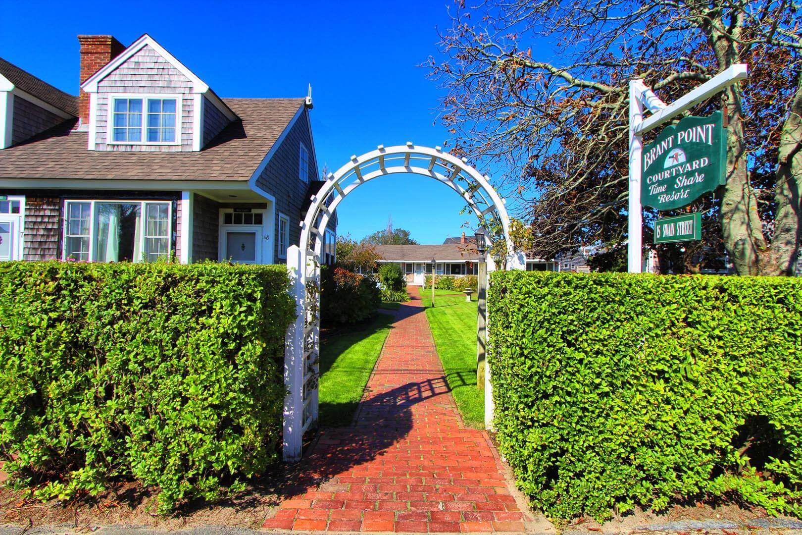Brant Point Courtyard Enterance