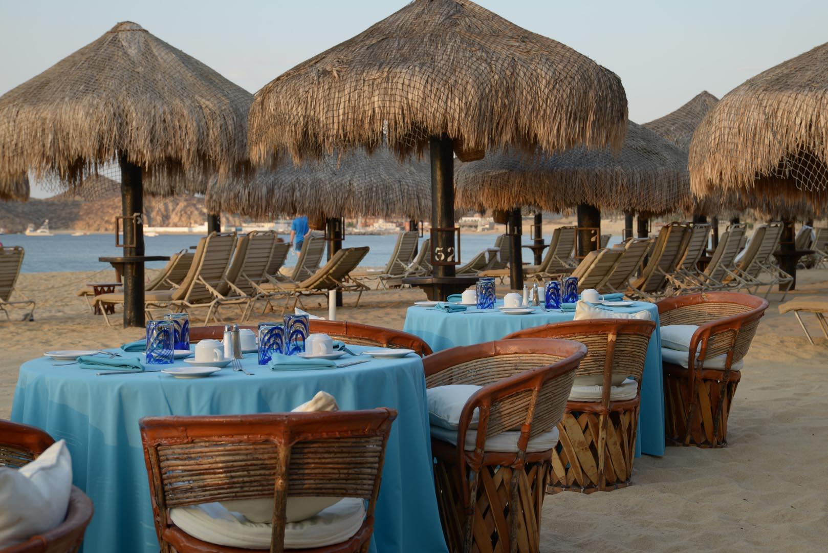Club Cascadas Beach Dinner