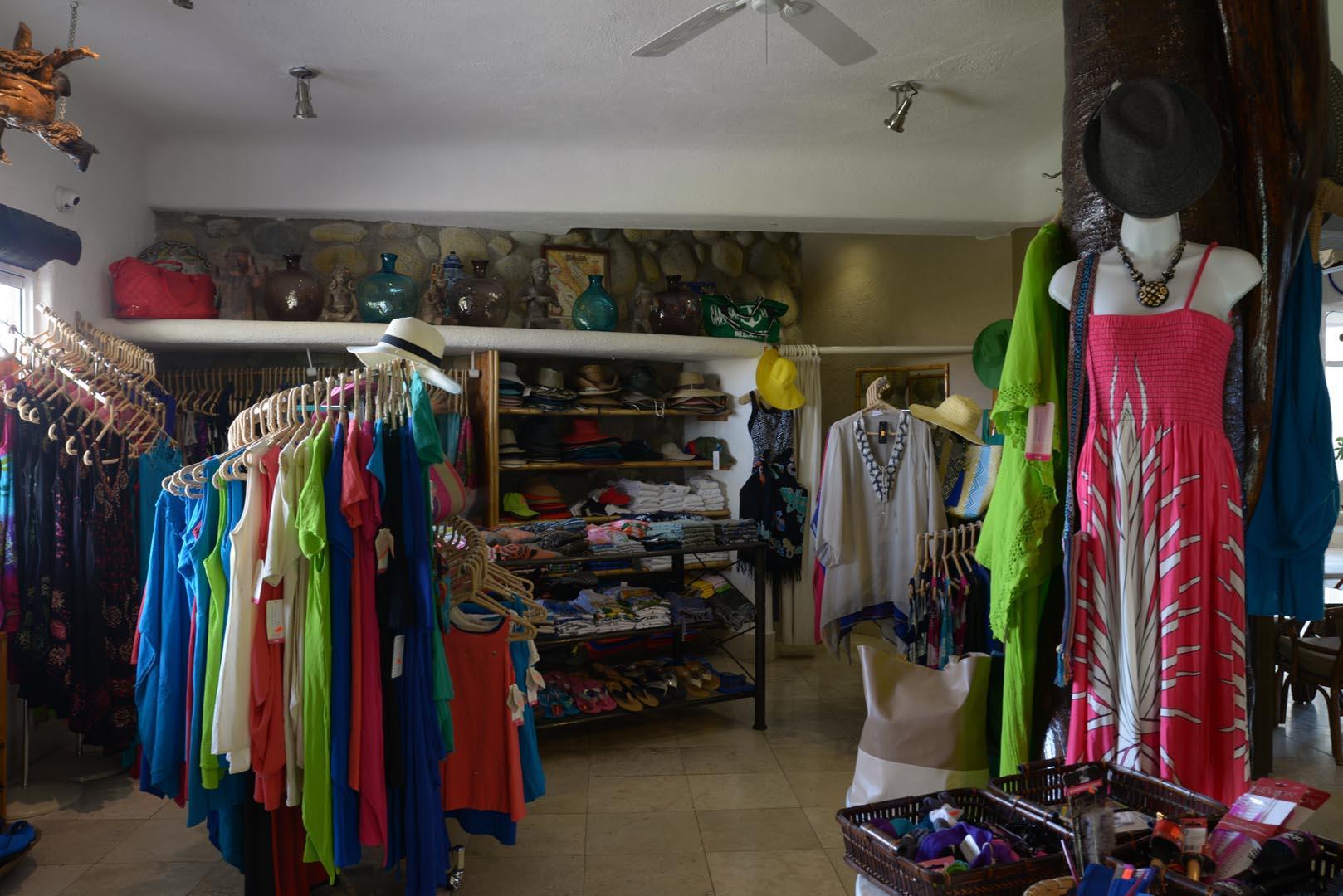Club Cascadas Souvenir Shop