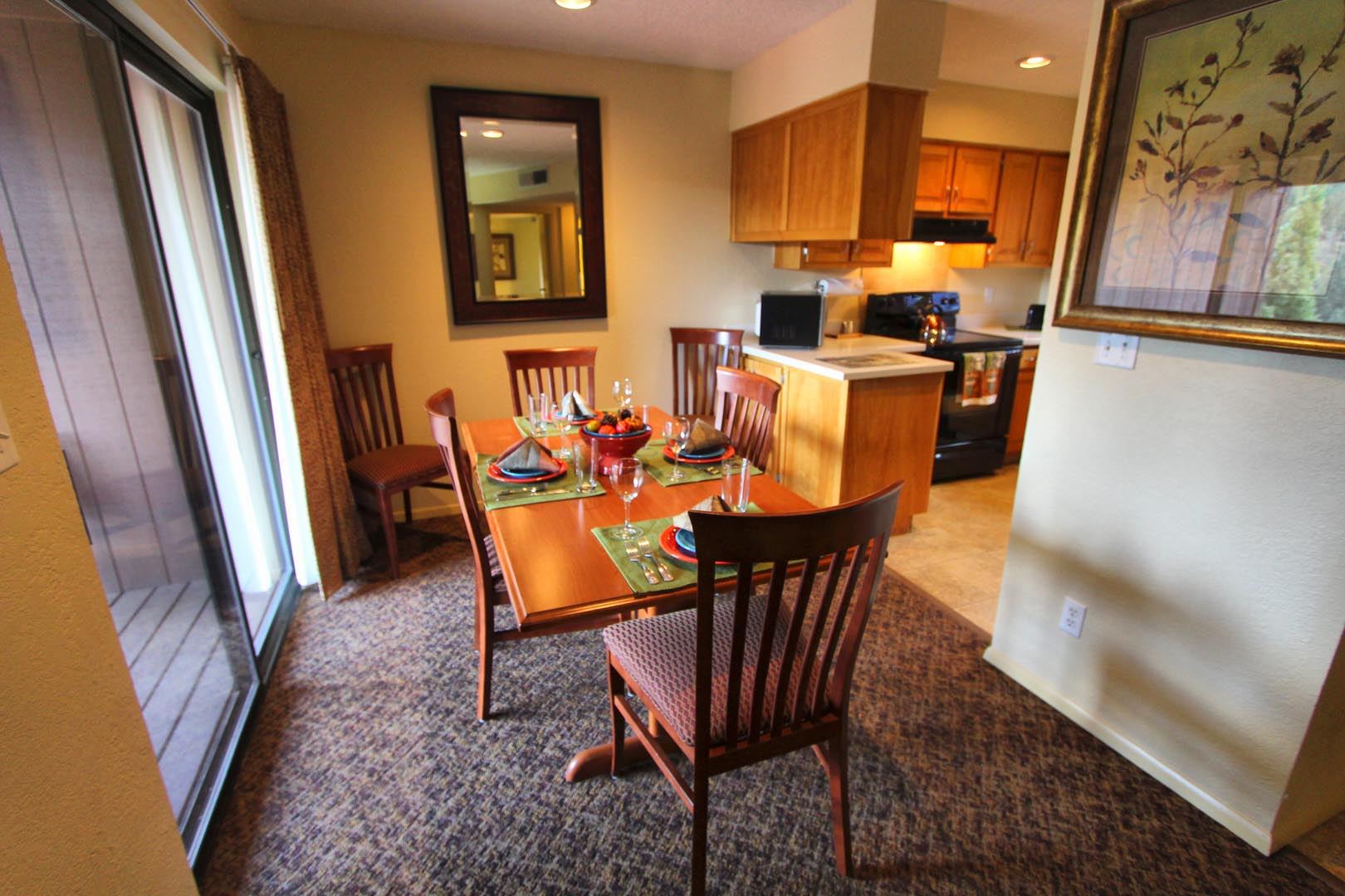 Crown Point Resort Dining roon