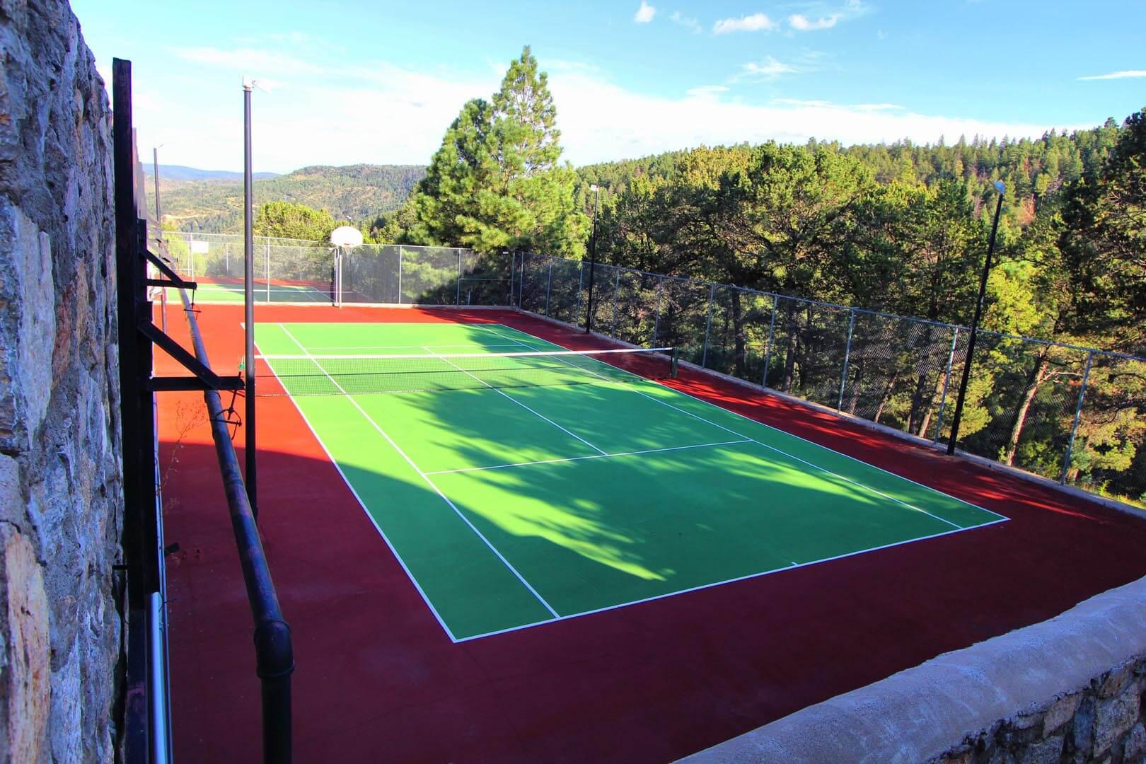 Crown Point Resort Tennis Court