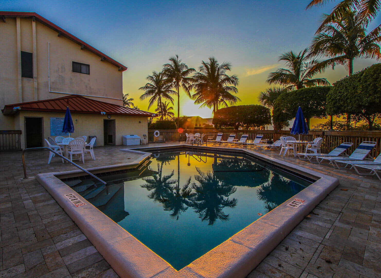 A beautiful sunset view from the pool at VRI's Florida Bay Club in Florida.