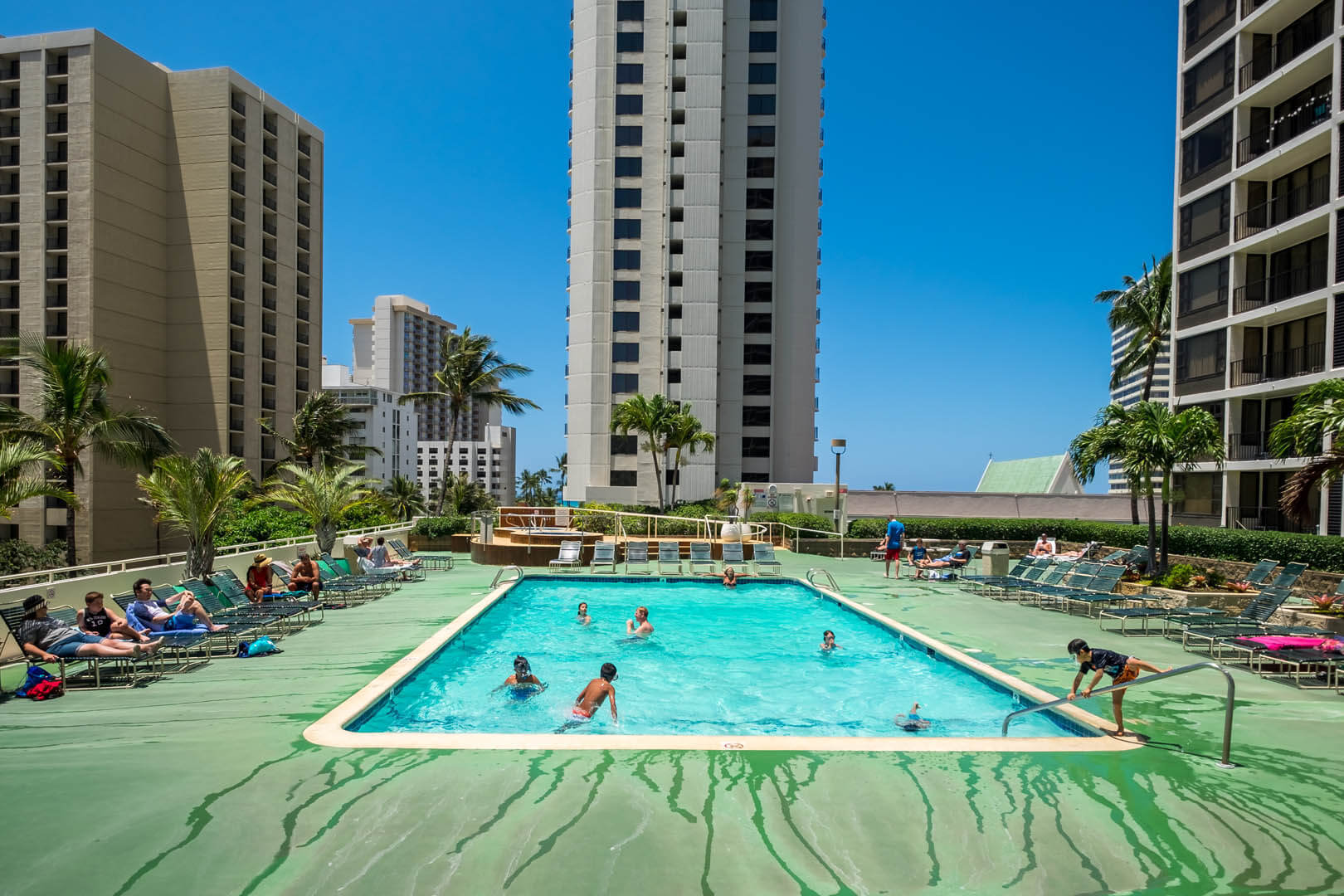 Hawaiian-Sun-Holidays-12