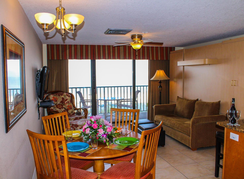 Island Gulf Living Room
