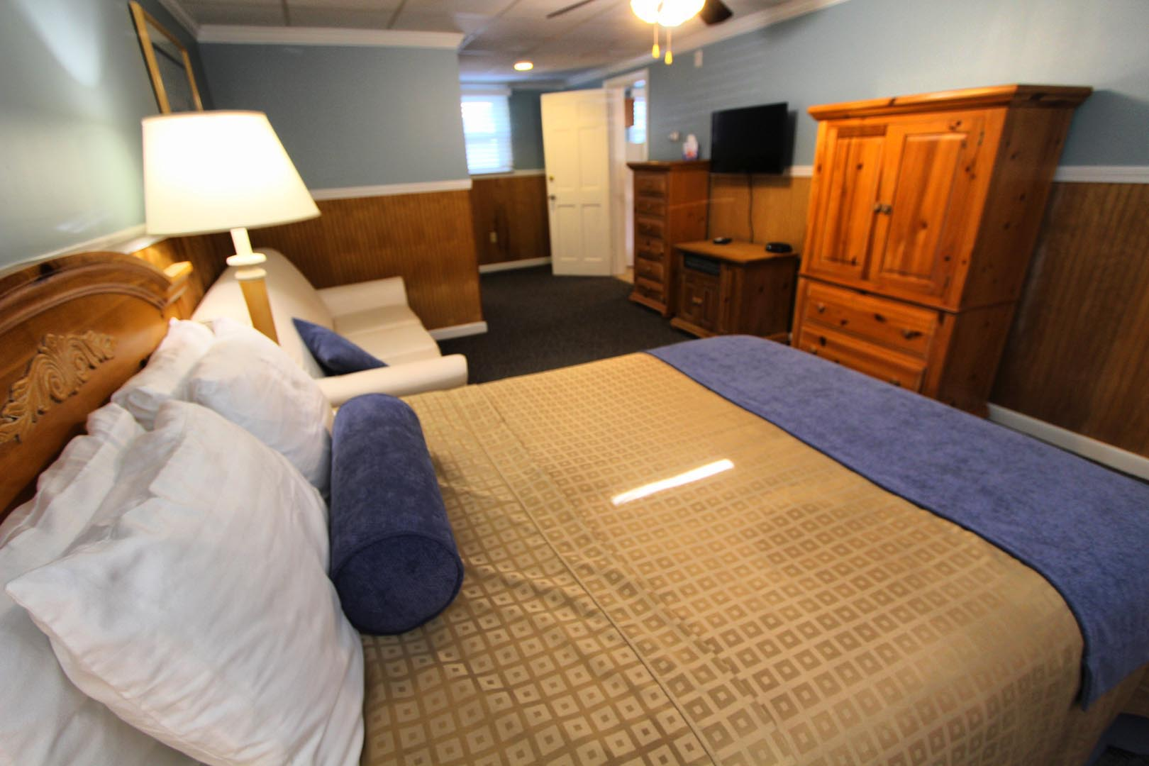 Island Manor Bedroom