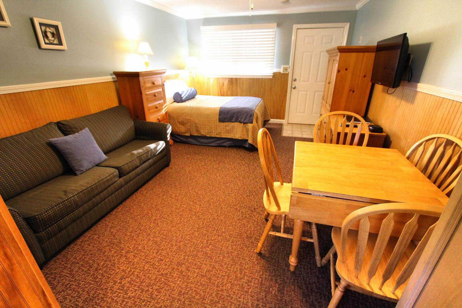Island Manor Living Room