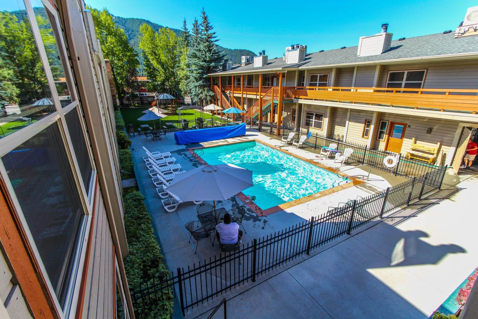 A crisp outdoor swimming pool at VRI's Jackson Hole Towncenter in Wyoming.
