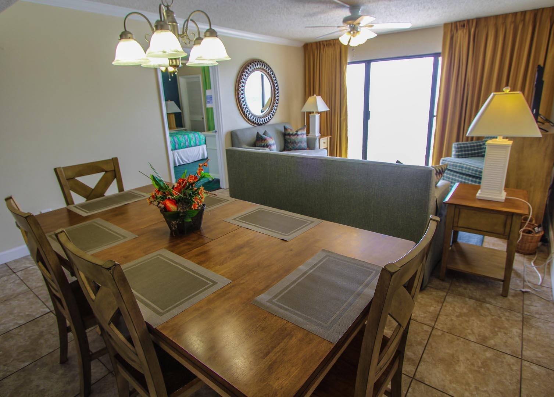 Landmark Holiday Beach Resort Dining Room