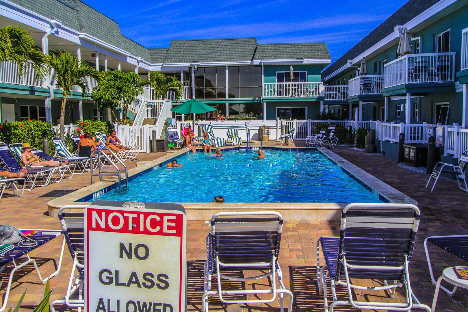 Mariner Beach Club Pool