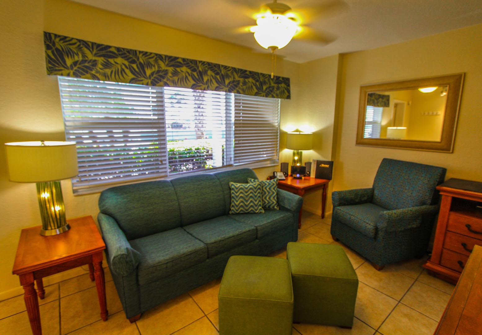 Mariner Beach Club Living Room