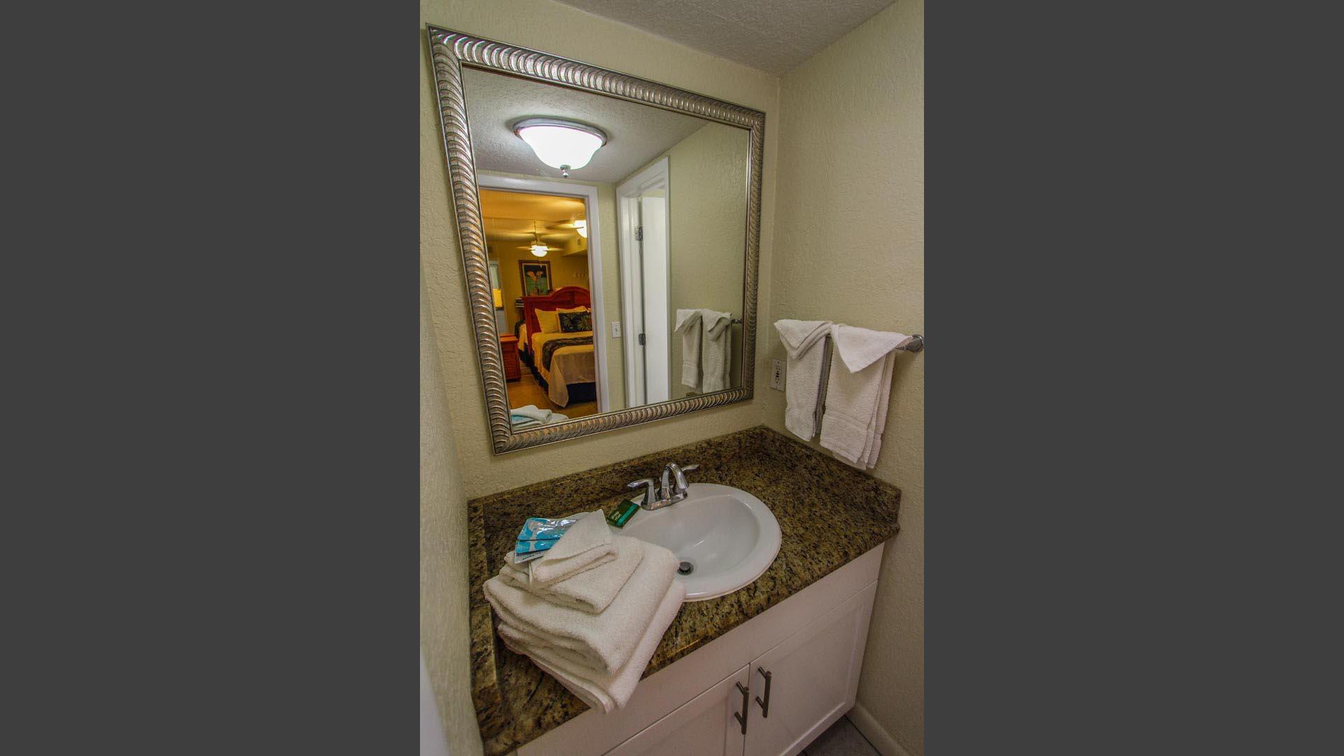Mariner Beach Club Bathroom