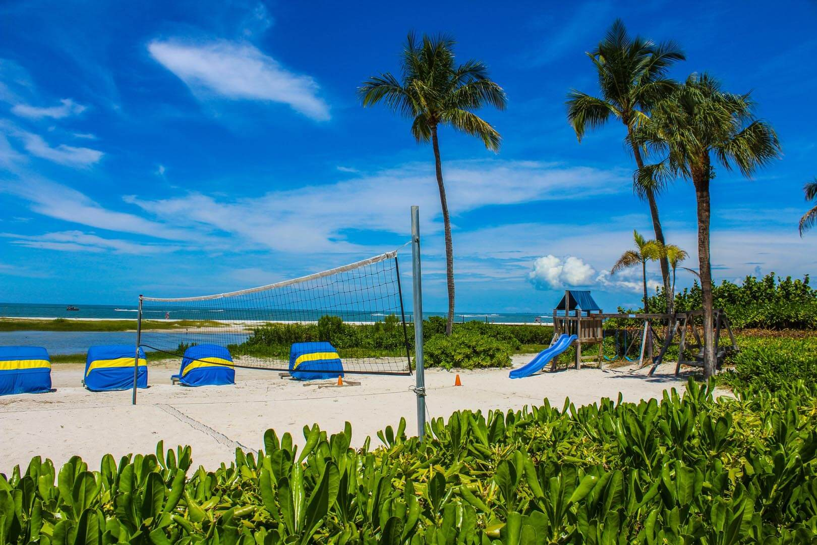 Mariner's Boathouse - Beach - Volleyball - Playground