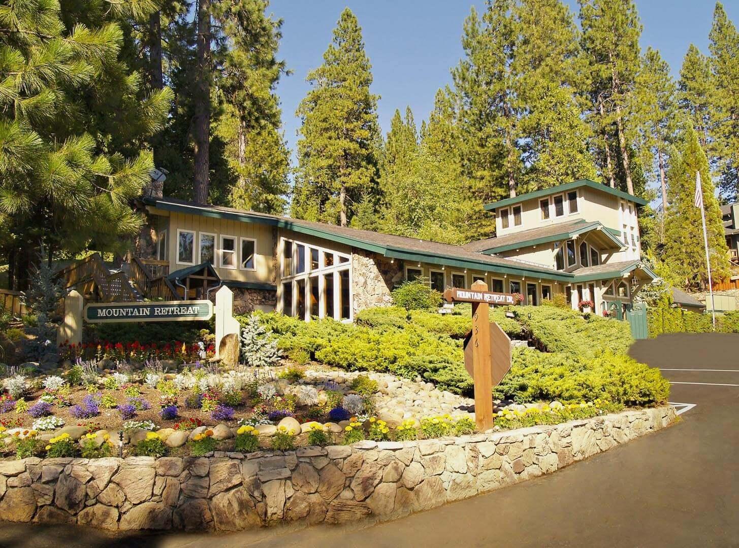 Mountain Retreat Resort Balcony