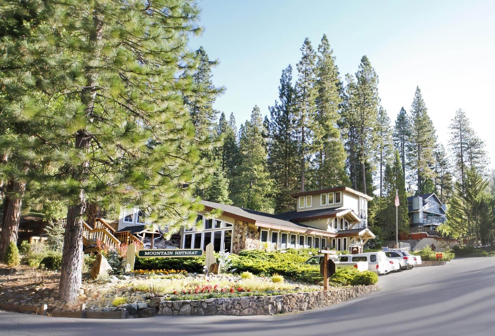 Mountain Retreat Resort Bedroom