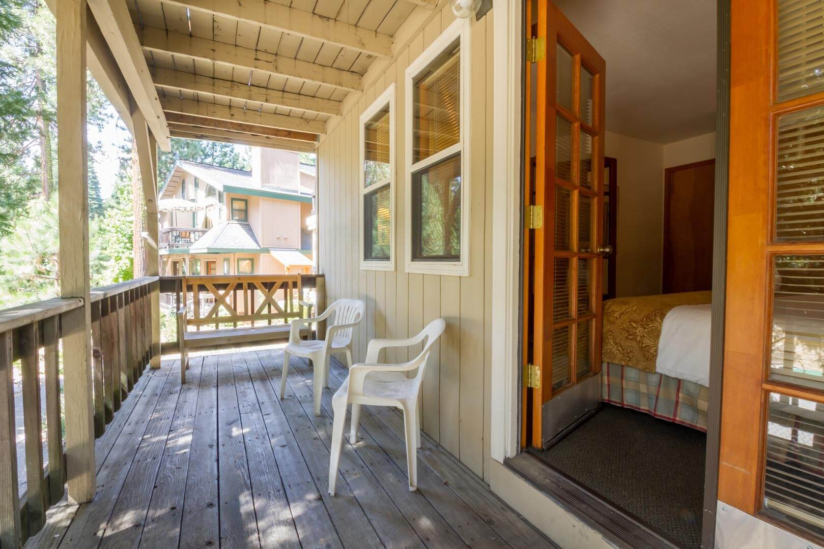 Mountain Retreat Resort Living Room