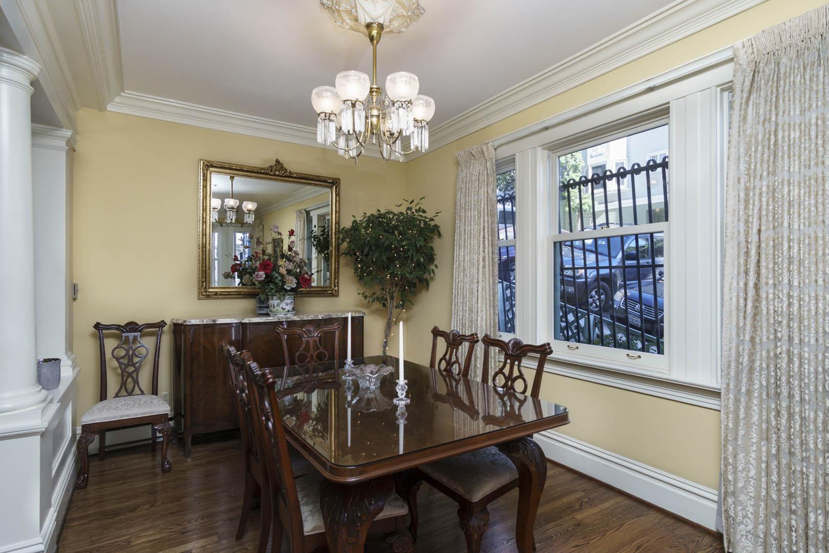 Nob Hill Inn Interior unit - Living Room