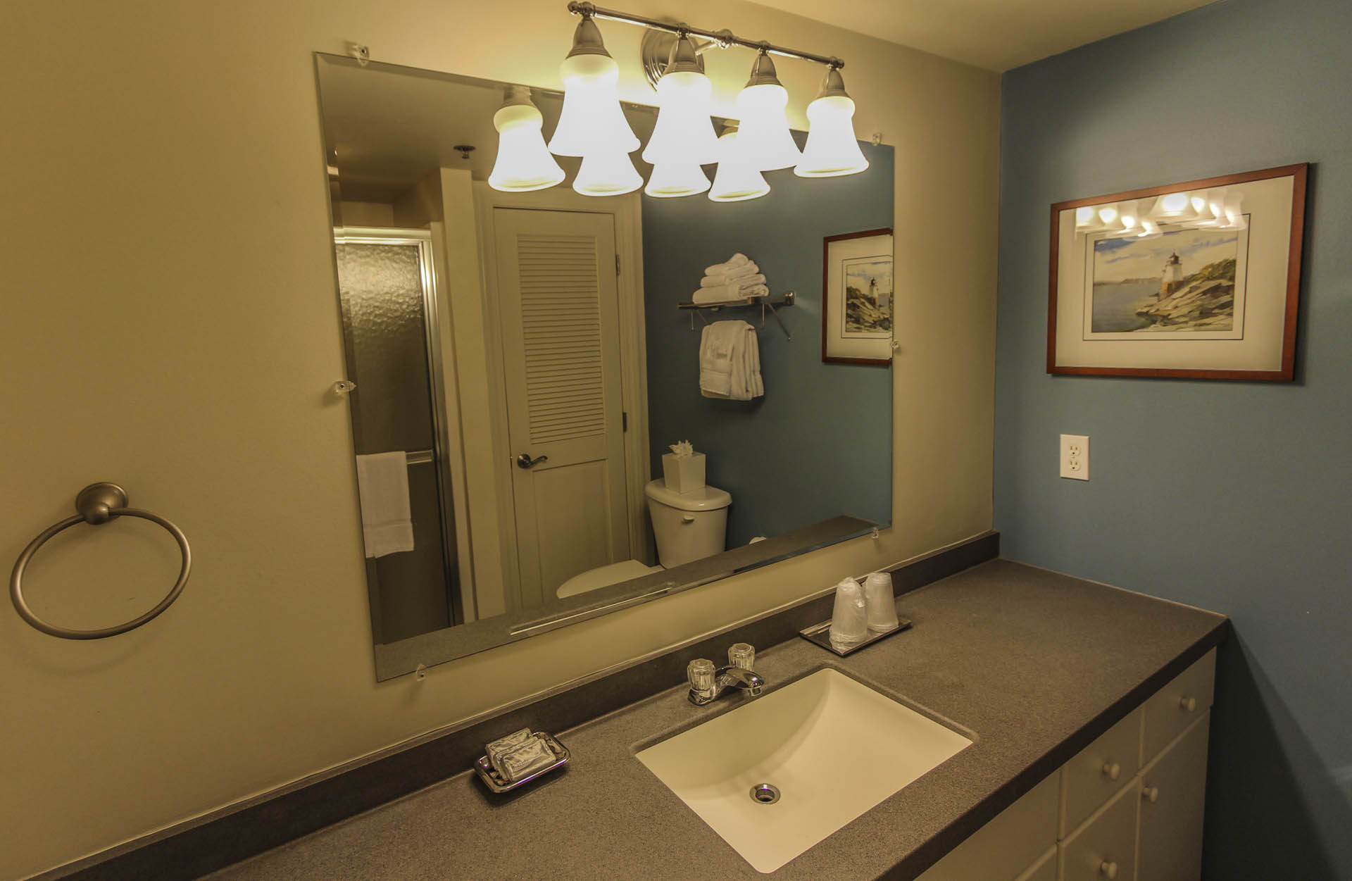Ocean Cliffs Bathroom