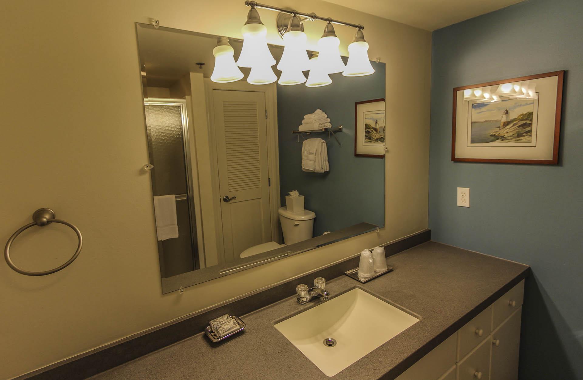 Ocean Cliffs Bathroom