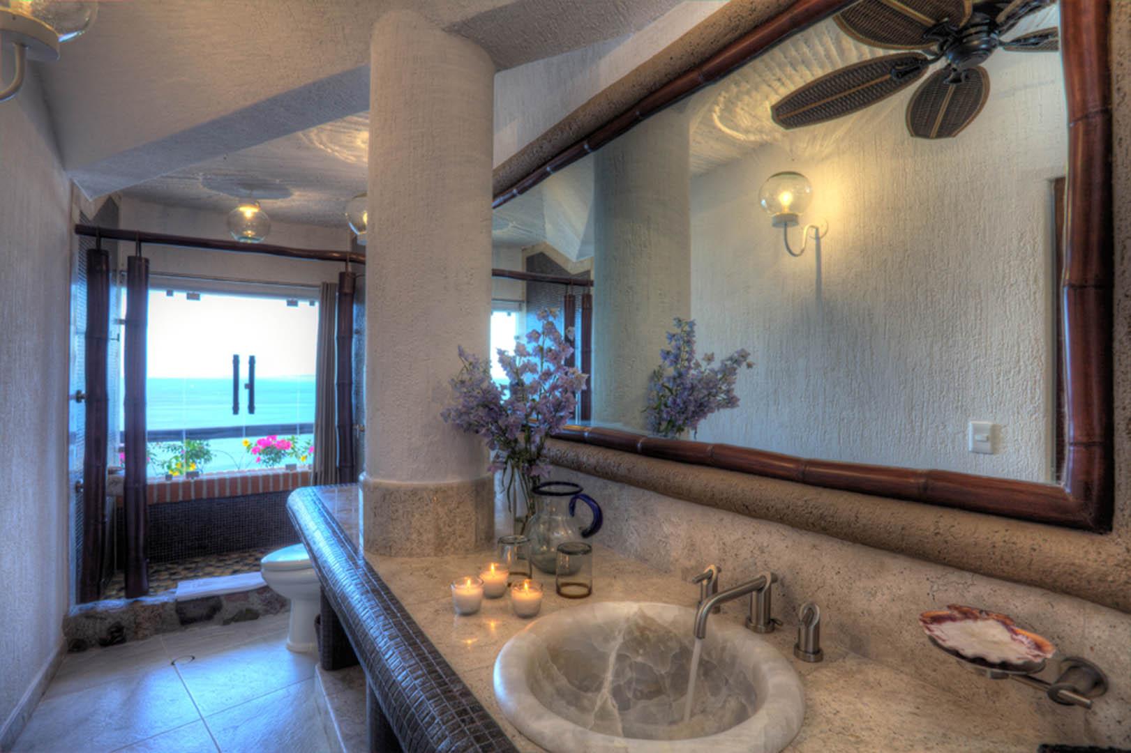 Ocho Cascadas Bathroom