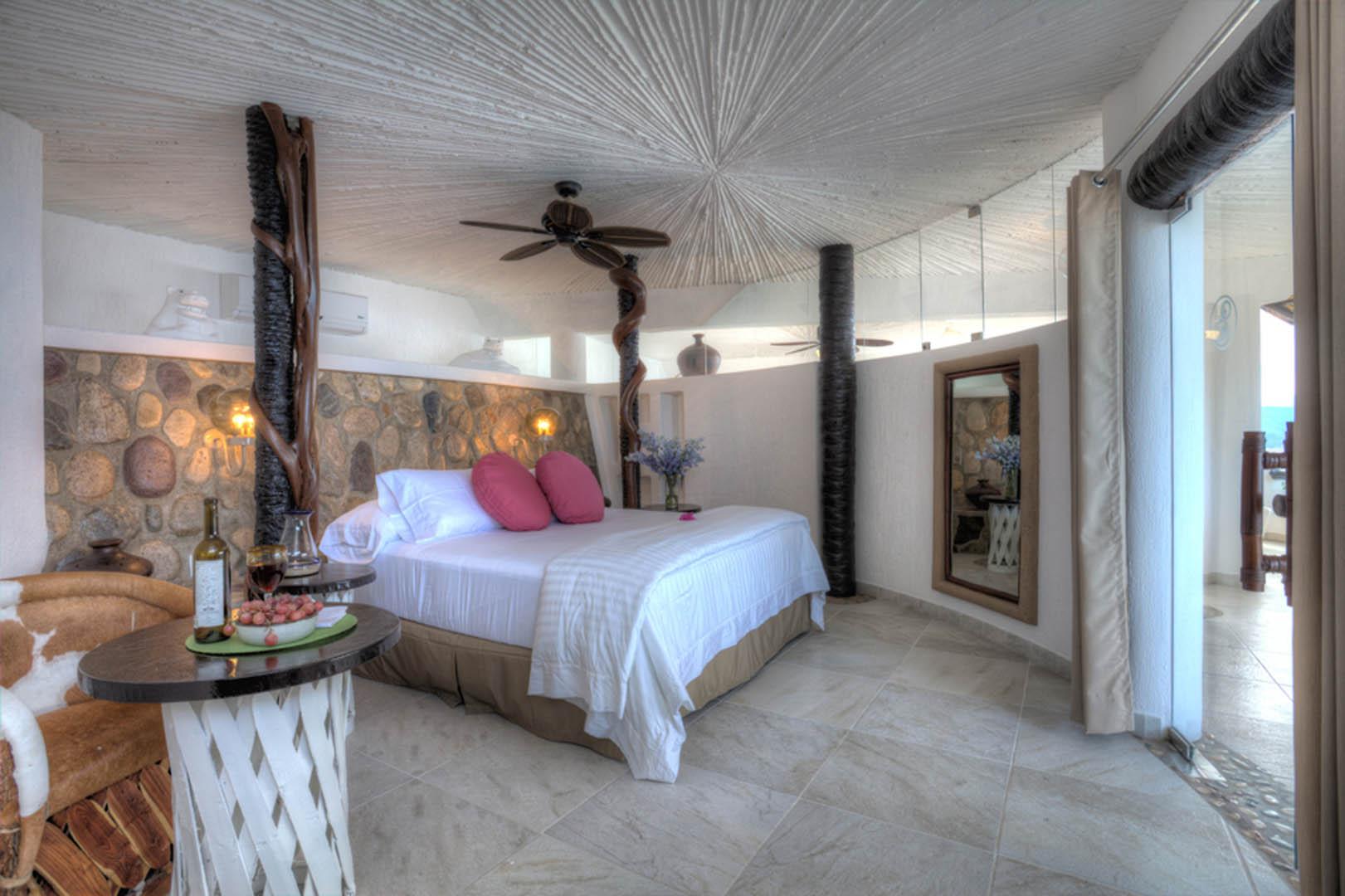 Ocho Cascadas Bedroom