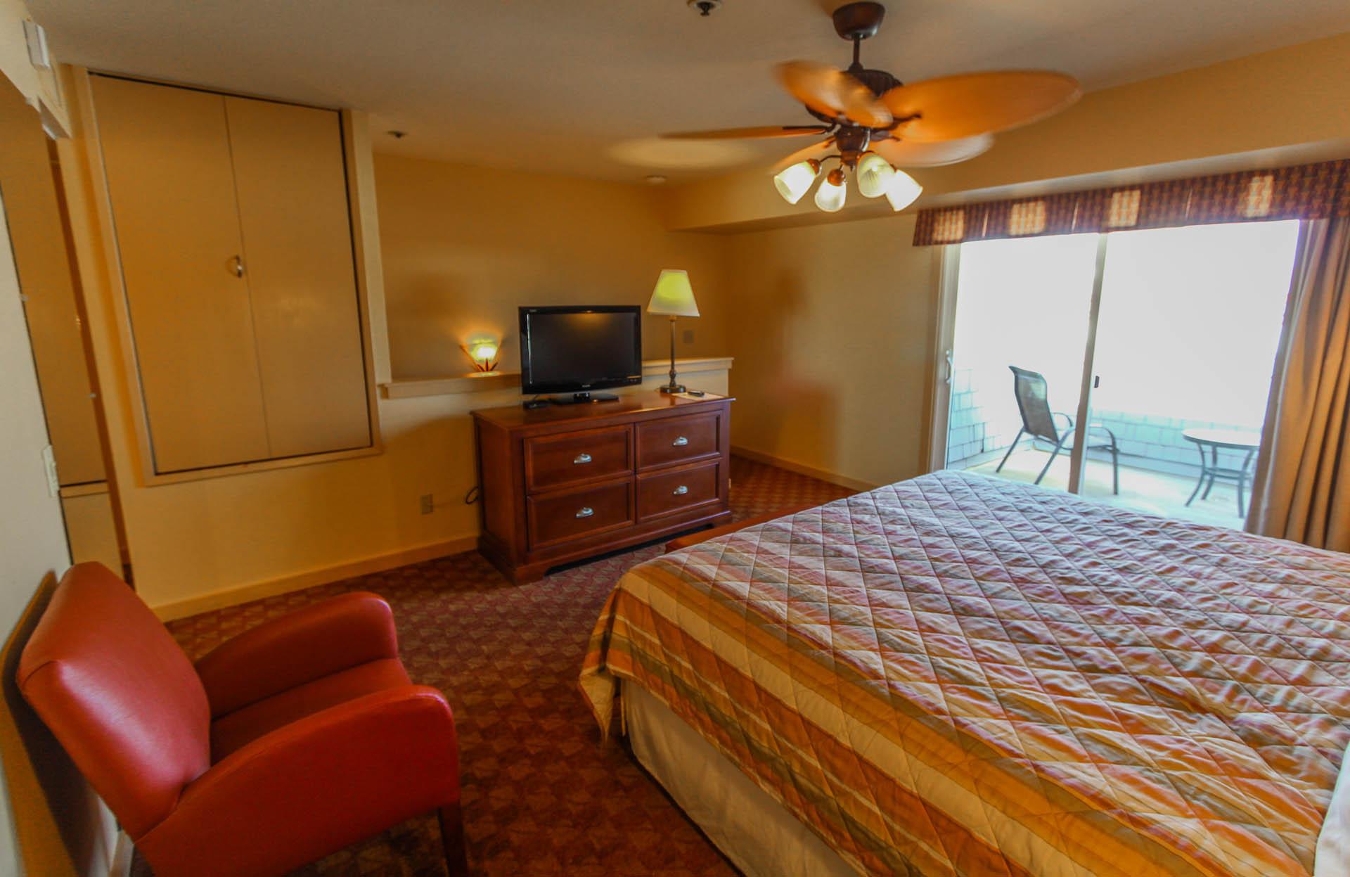 Pacific Grove Plaza Bedroom