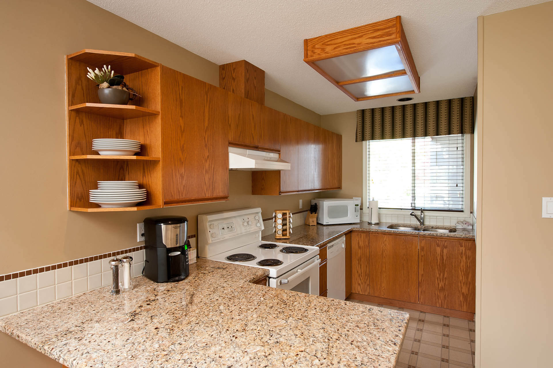 Pacific Shores Resort Spa Kitchen