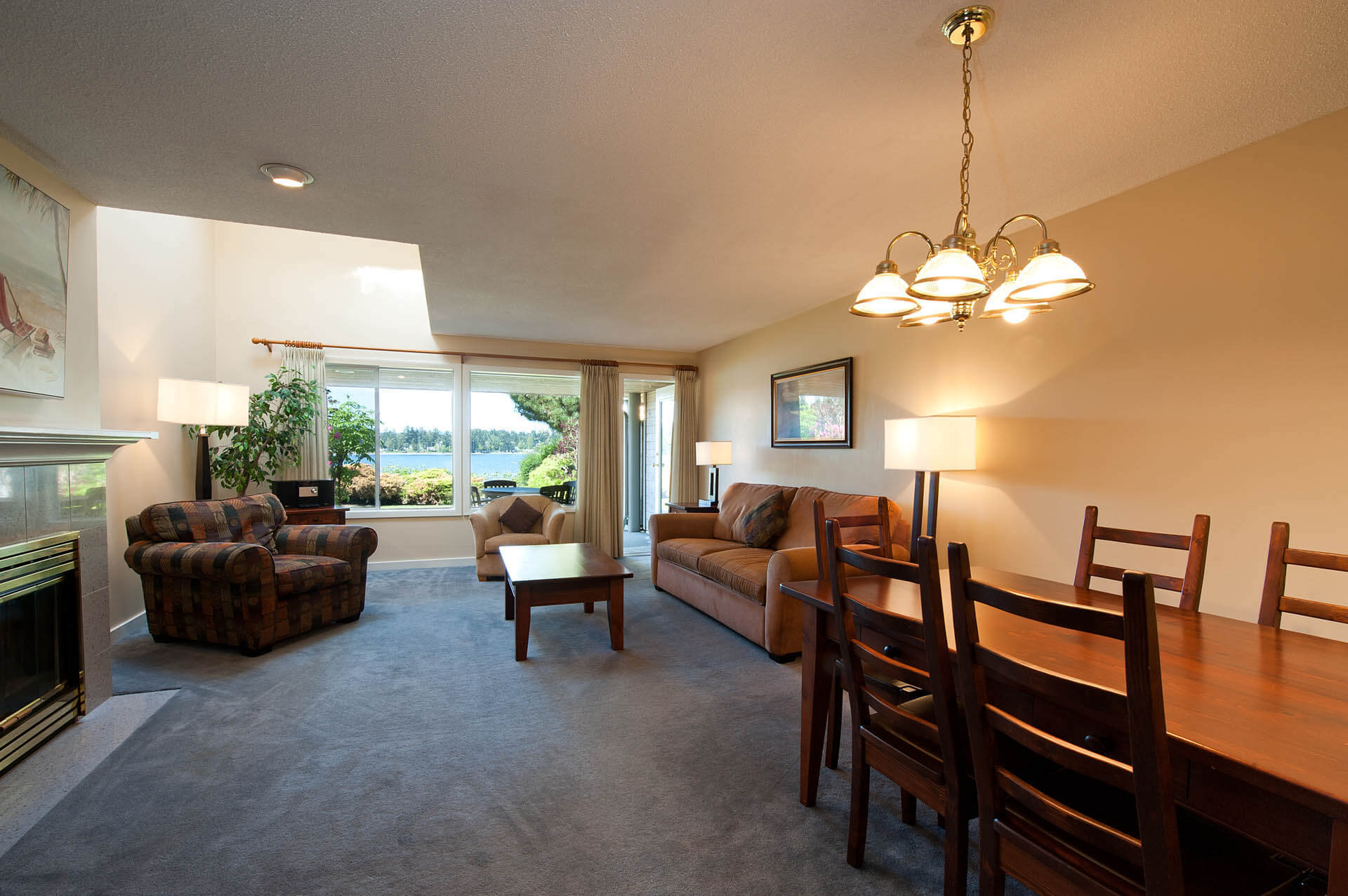 Pacific Shores Resort Spa Living Room