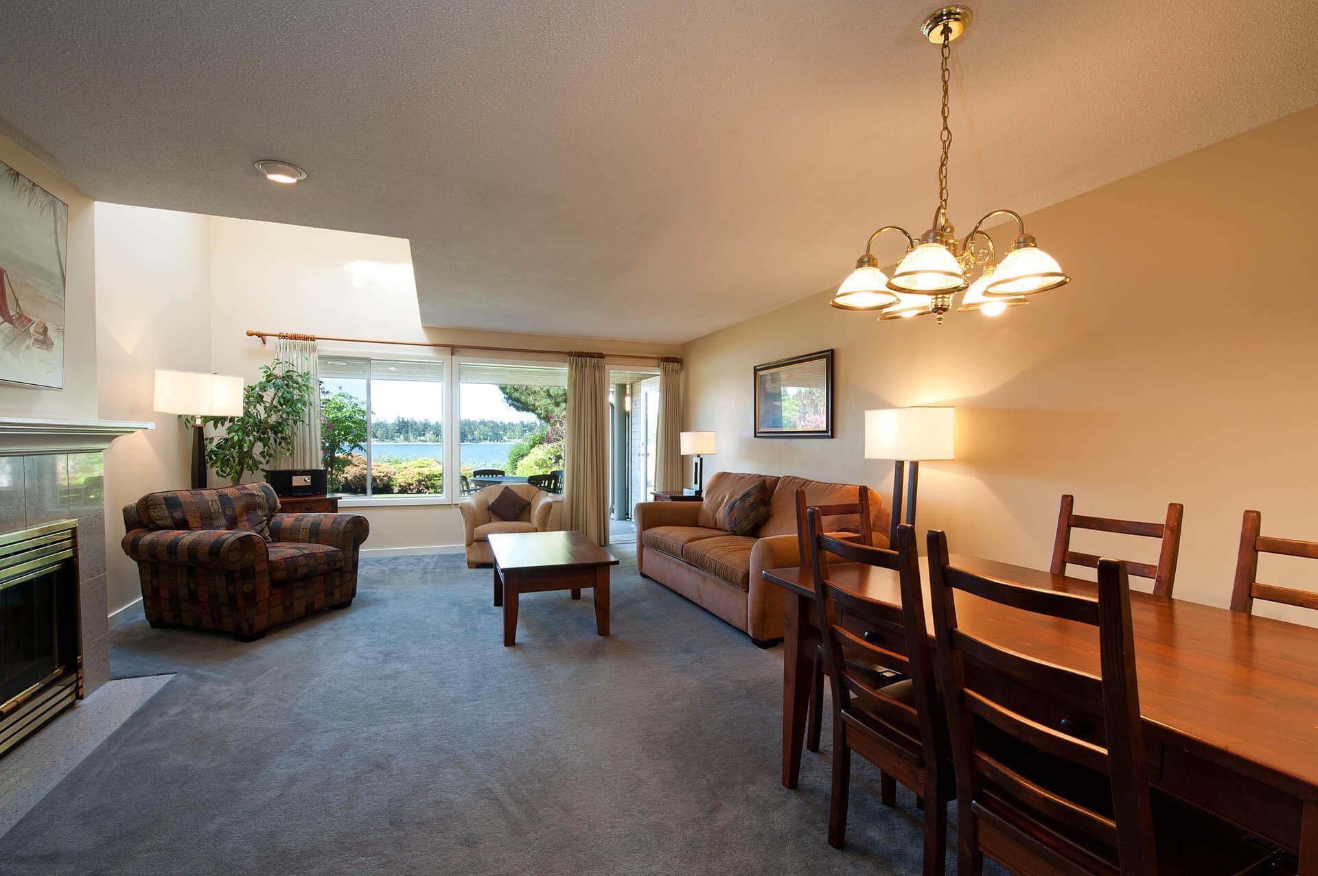 Pacific Shores Resort Spa Living Room