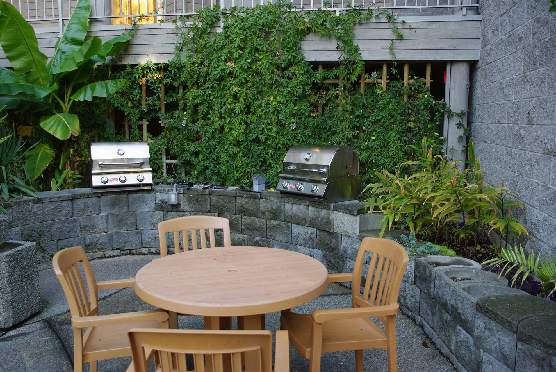 Pacific Shores Resort Spa BBQ Grills