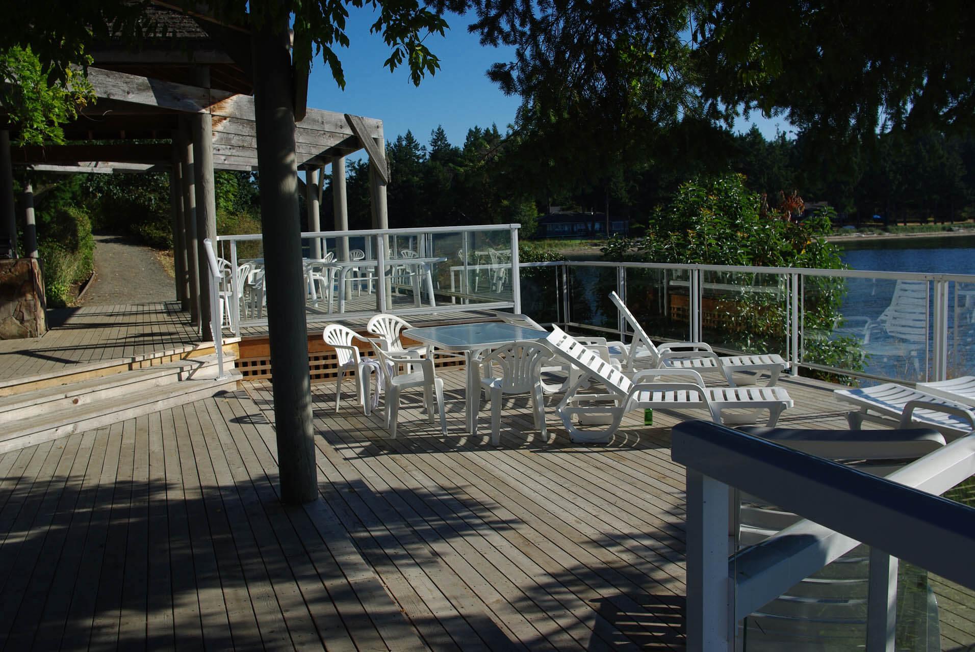 Pacific Shores Resort Spa Deck