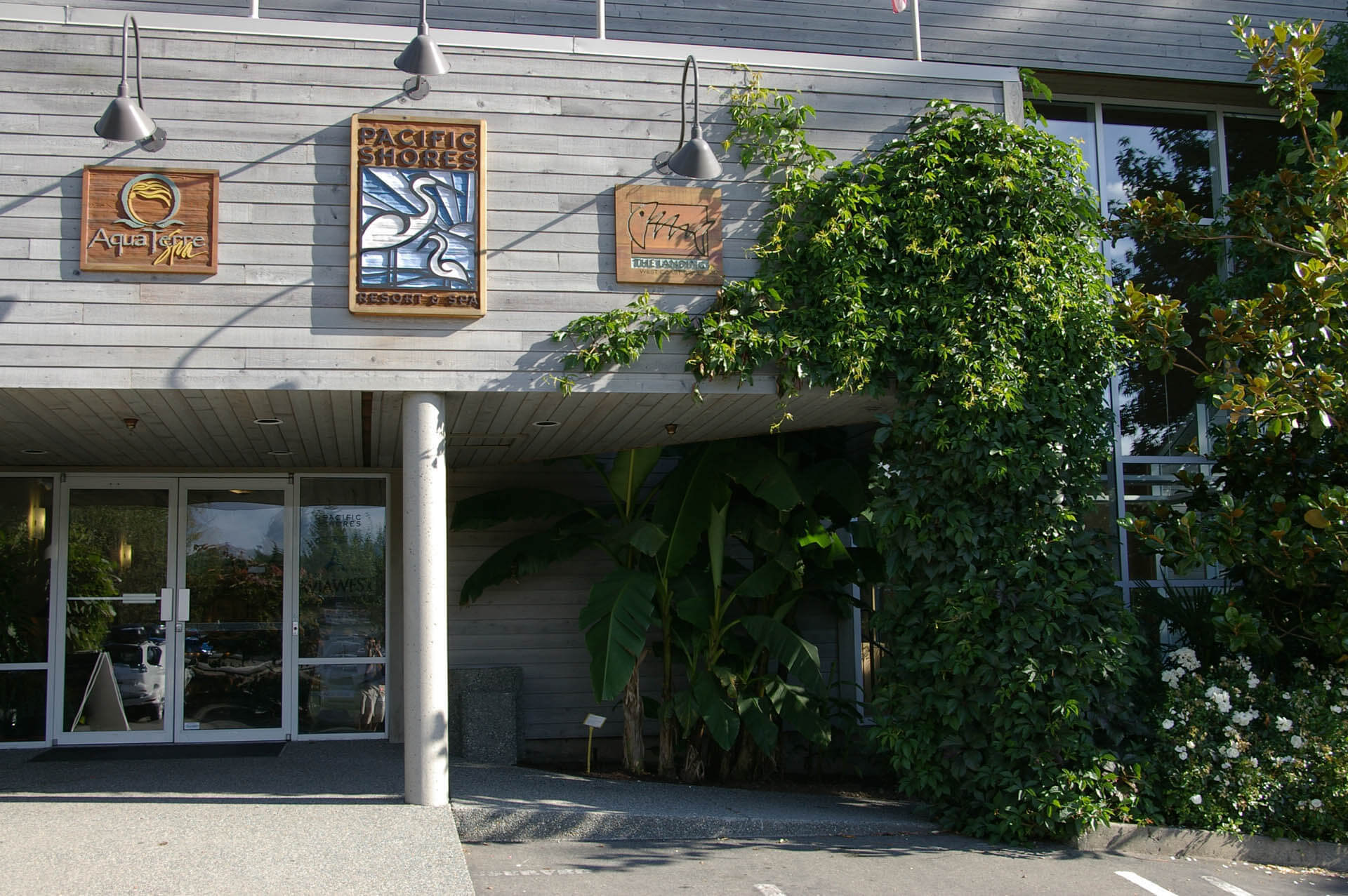 Pacific Shores Resort Spa Signage