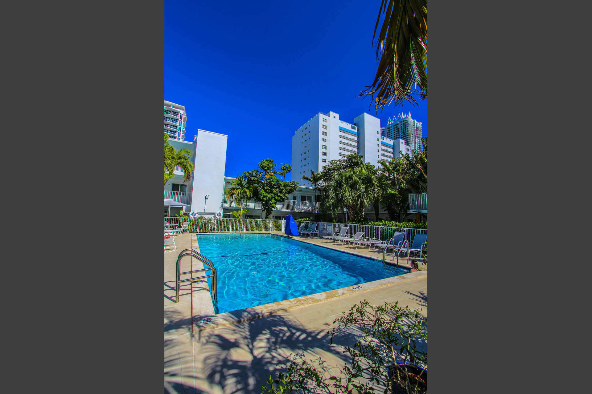 Park Royal Miami Pool