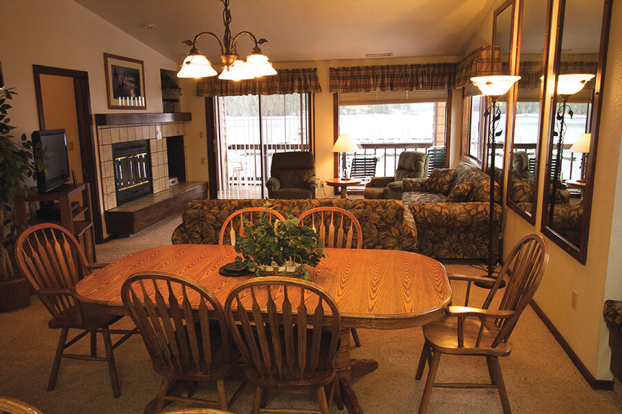Pend Oreille Shores Resort Dining Room