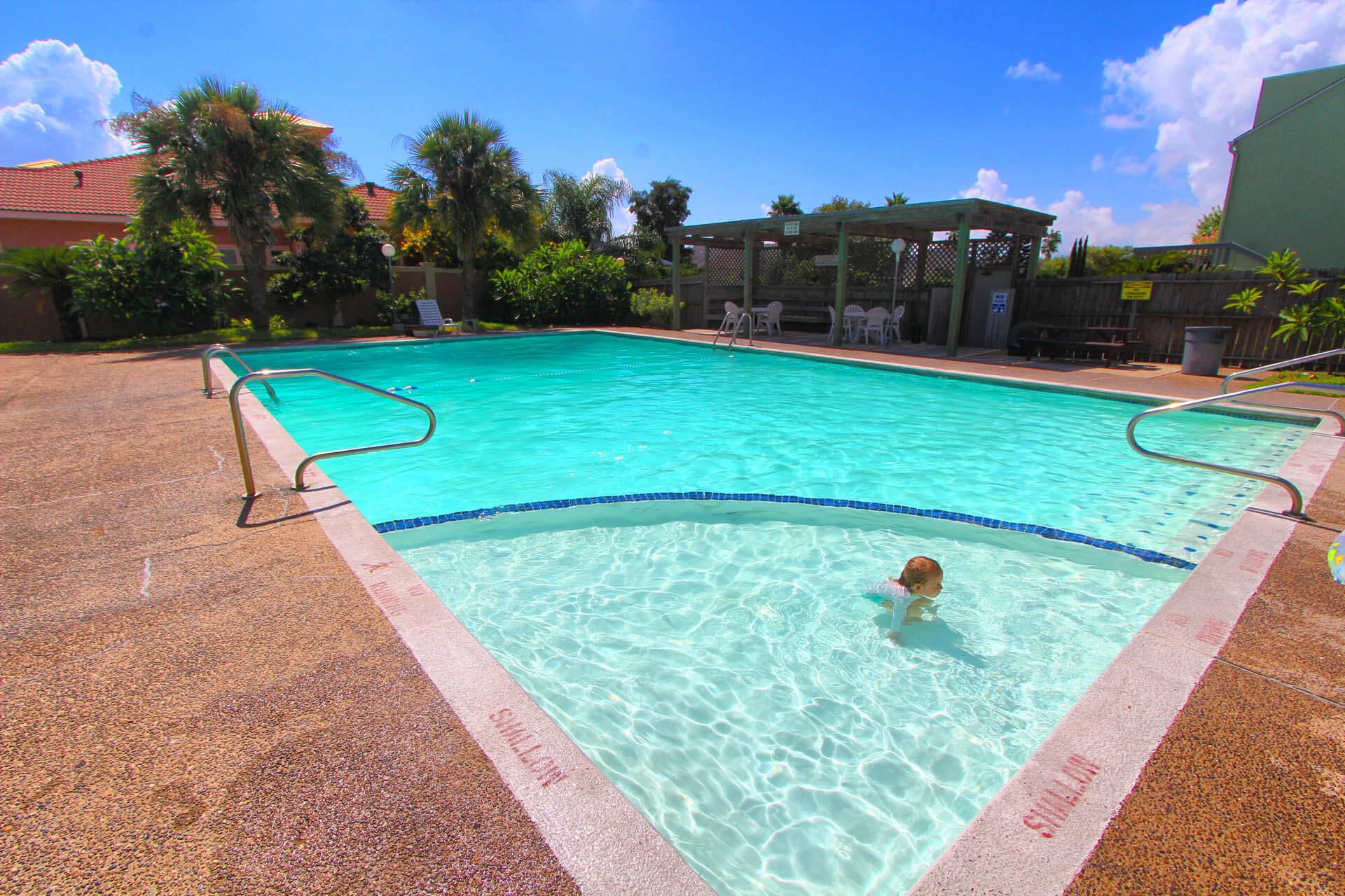 Puenta Vista Pool