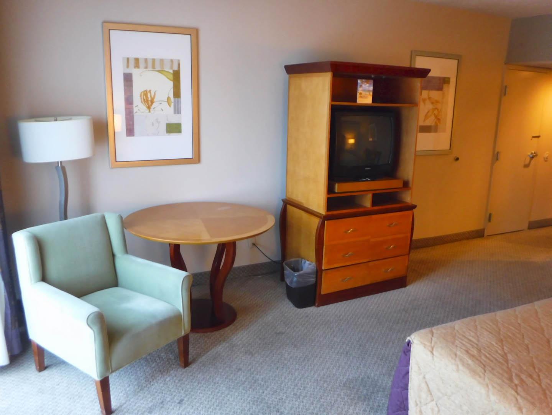 Royal Vacation Suites Bedroom