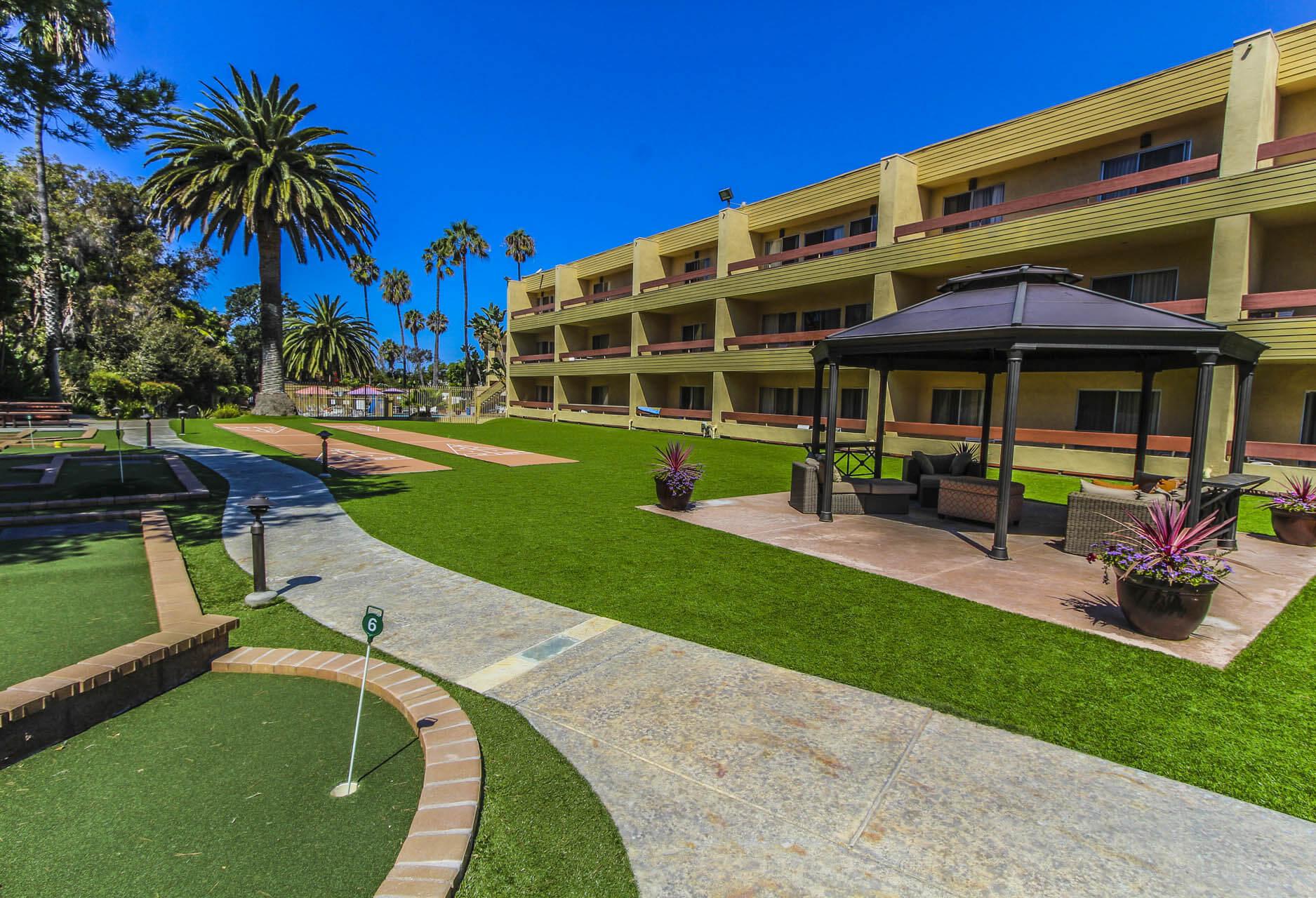 San Clemente Inn Building