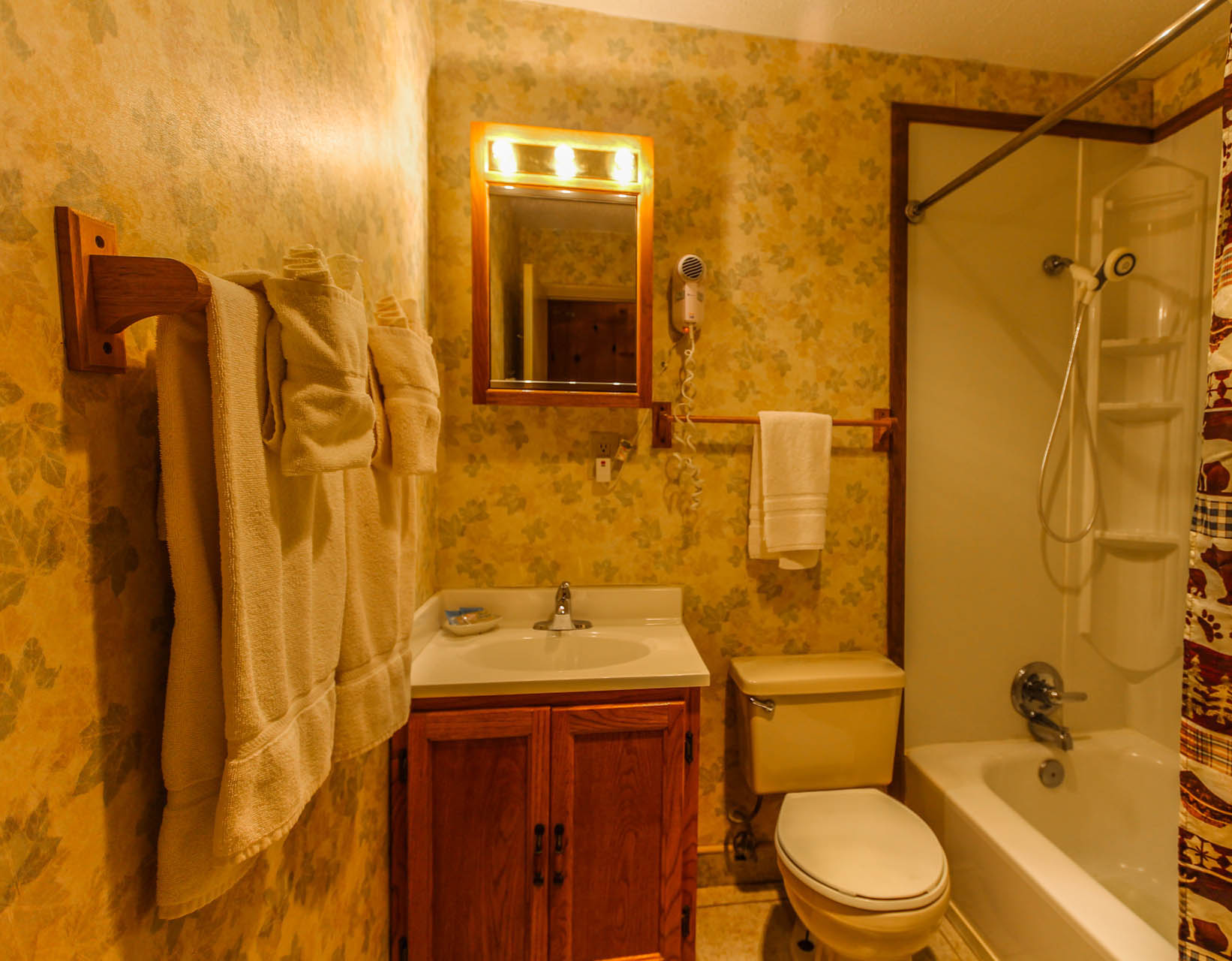 Smoketree Lodge Bathroom