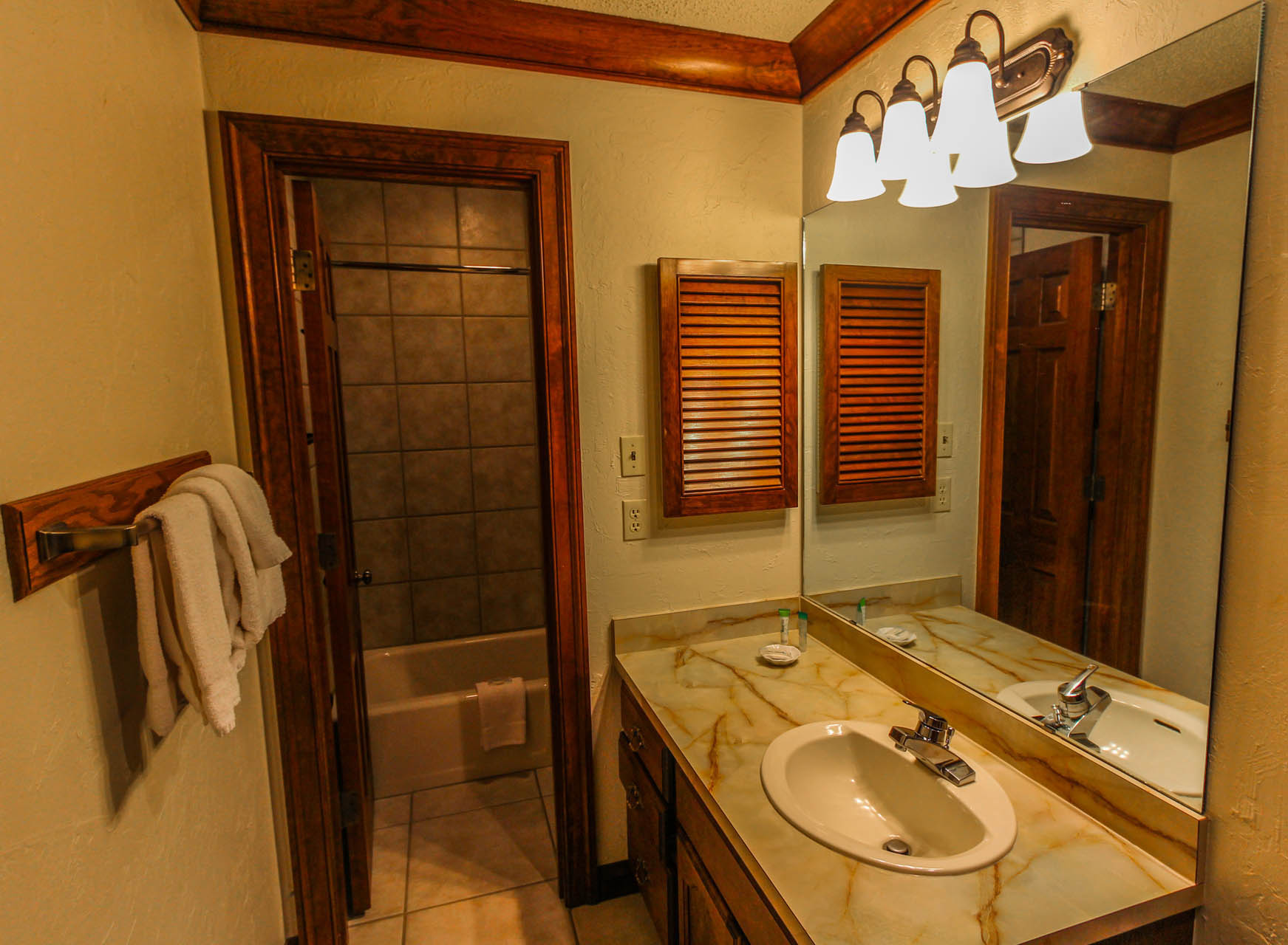 Sunburst Resort Bathroom