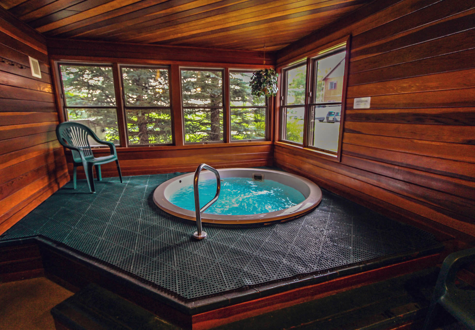 Sunburst Resort Indoor Jacuzzi