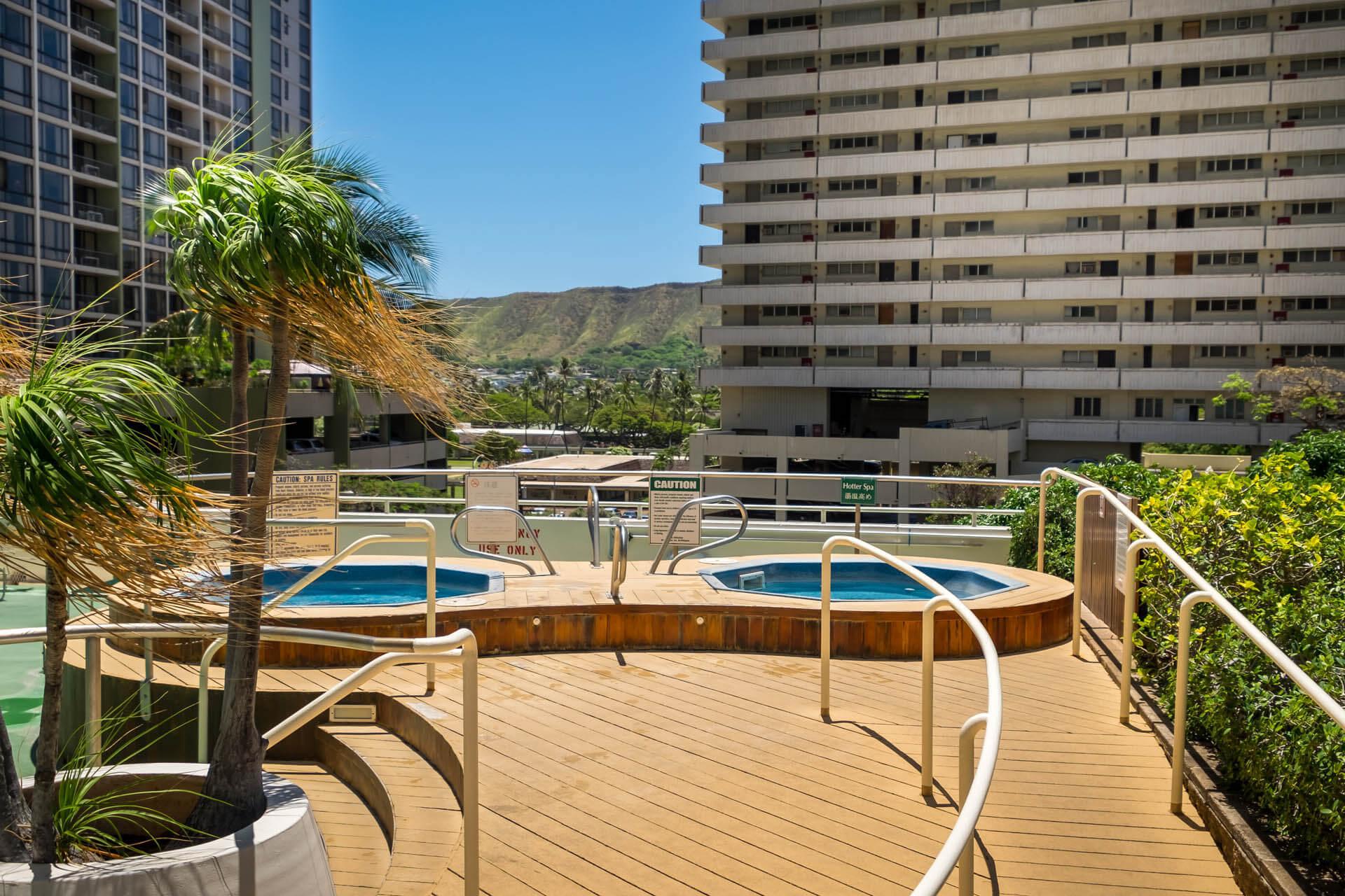Sweetwater Waikiki Pool